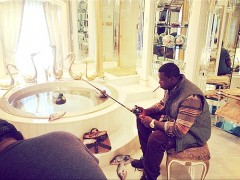 gucci_mane_fishing_bathroom